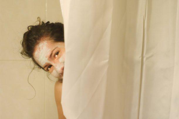 zo vaak moet je dus je douchegordijn wassen - en zo doe je het - nsmbl