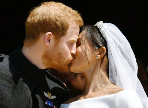 hoogtepunten royal wedding, kus