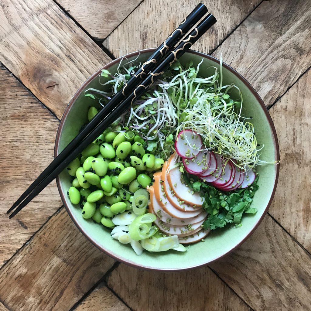 Poké bowls kip
