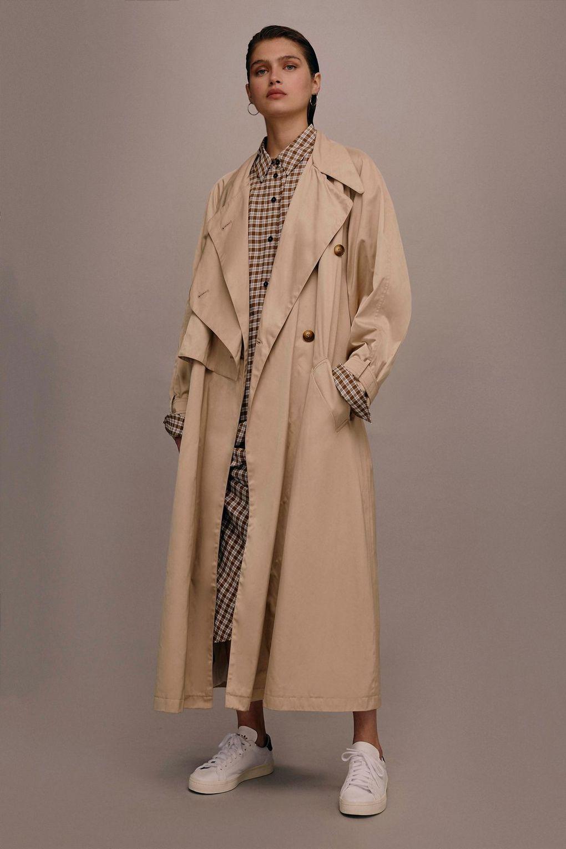 kim kardashian camel coat dupe outfit 05