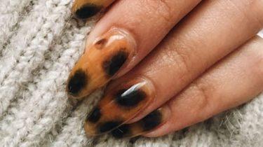Tortoiseshell print op de nagels