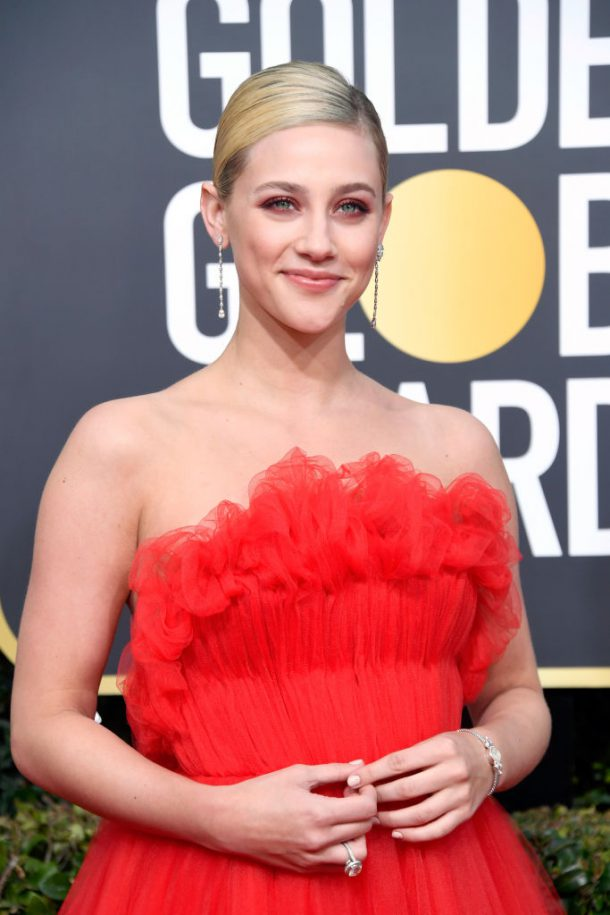 golden globes looks 2019 lili reinhart