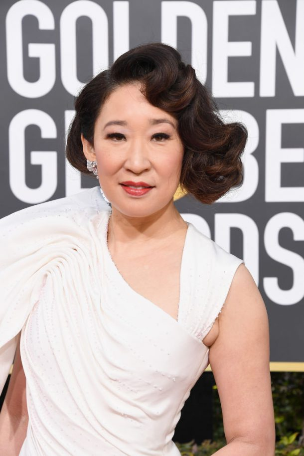 sandra oh golden globes looks 2019