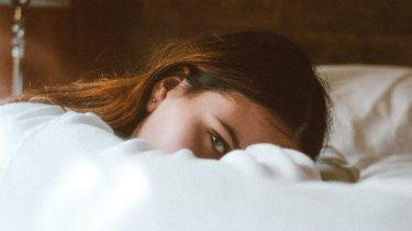 Dreigt je partner steeds om jullie relatie te verbreken? Zo stop je dit gedrag