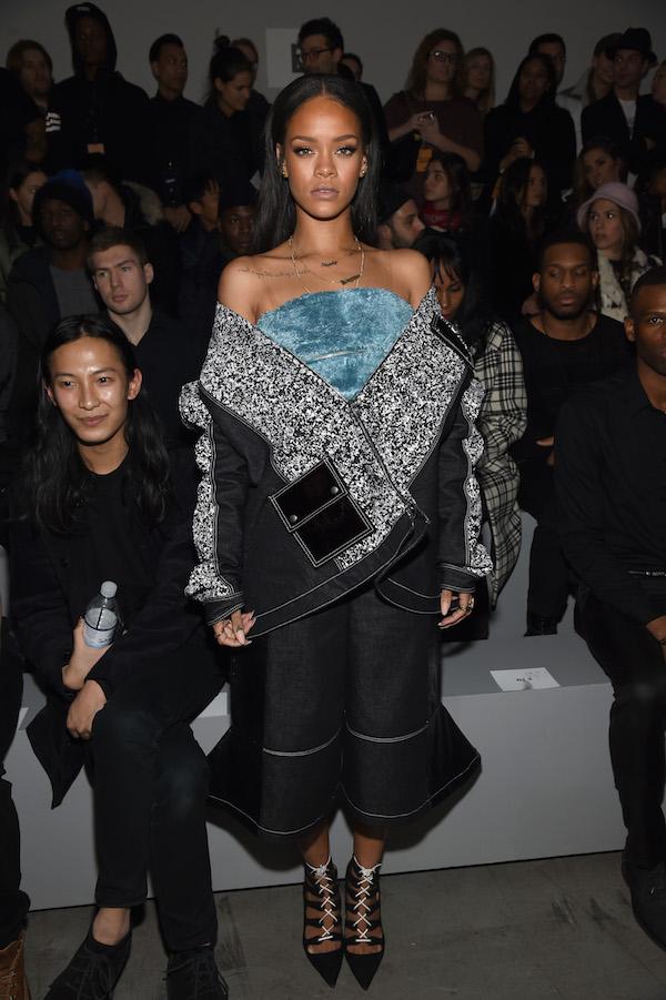 rihanna vertelt kledingstuk ontwerper