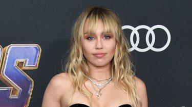 Miley Cyrus aangevallen fan