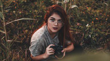 werk meisje heeft passie voor fotografie